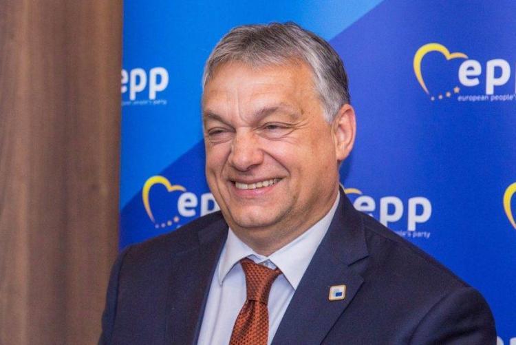A magyar császár meztelen